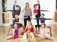 Dance Mums UKJennifer Ellison & Participants© Vishal Sharma/AETN07.05.2014